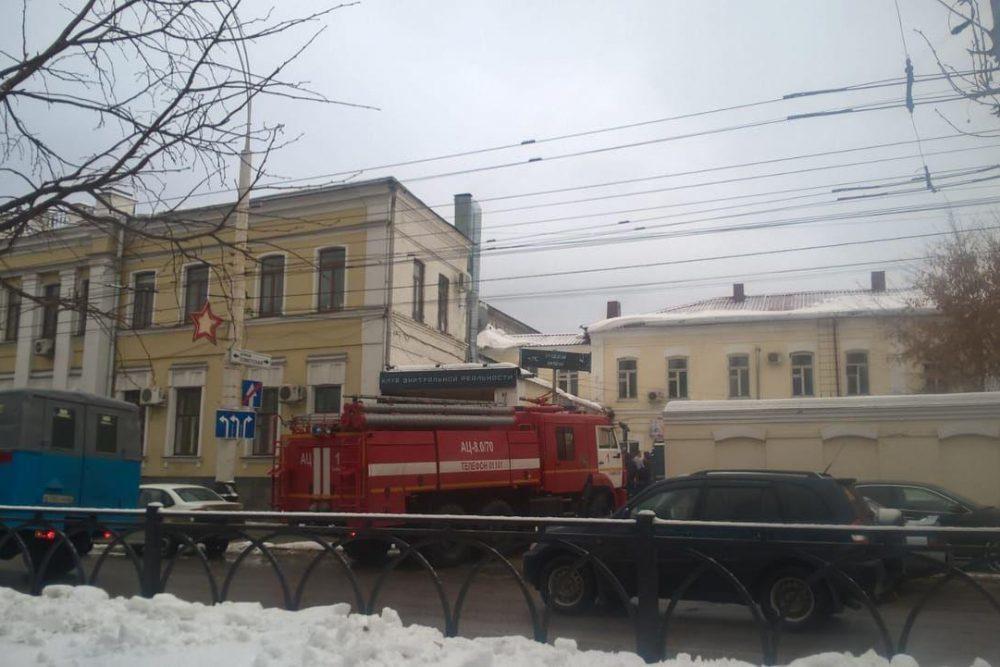 Управления образования и ЗАГСа на Советской затянуло дымом
