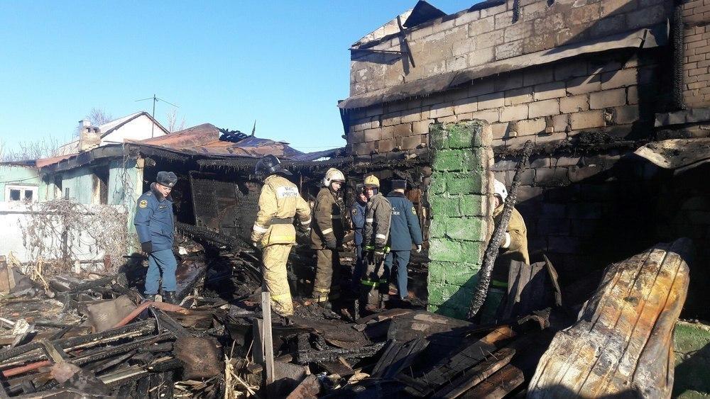 Неблагополучные соседи развели костер посреди квартиры и оставили без крыши над головой более десятка людей