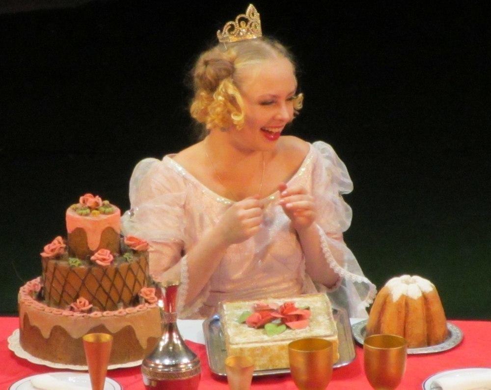 Актёры Ульяновского драмтеатра решили отправиться  в Новогоднюю столицу России - Тамбов