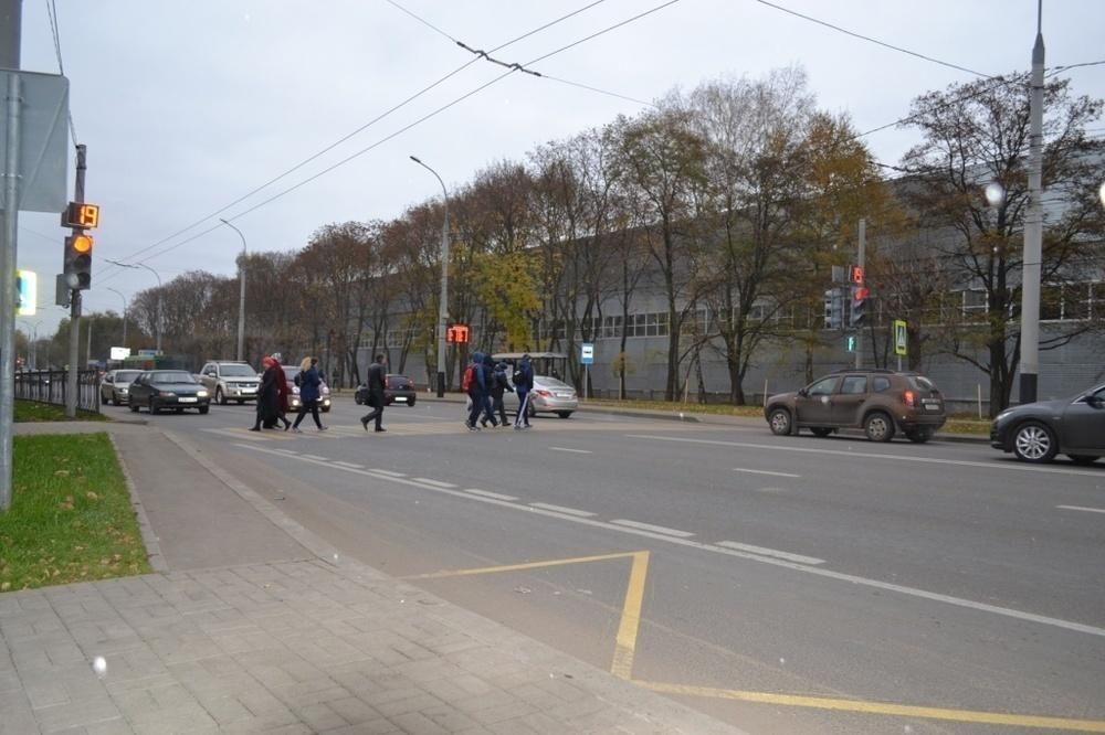 На  бульваре Энтузиастов в Тамбове заработал новый светофор