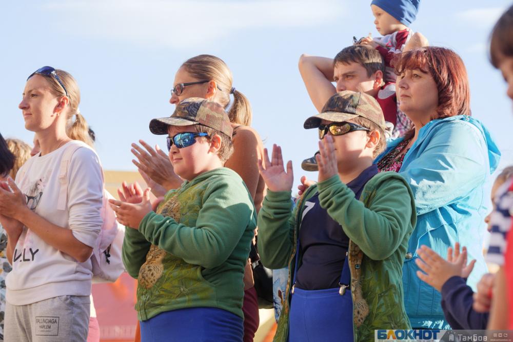 «Все начинается с семьи»: в Тамбове стартовало празднование Дня семьи, любви и верности