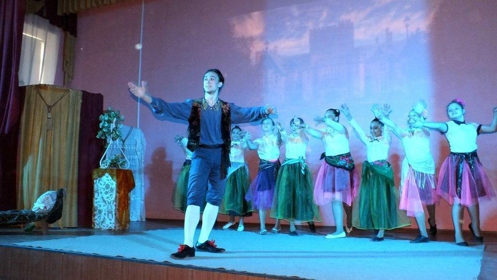 «Театр - это жизнь», - директор тамбовской школы о подмостках школьной сцены