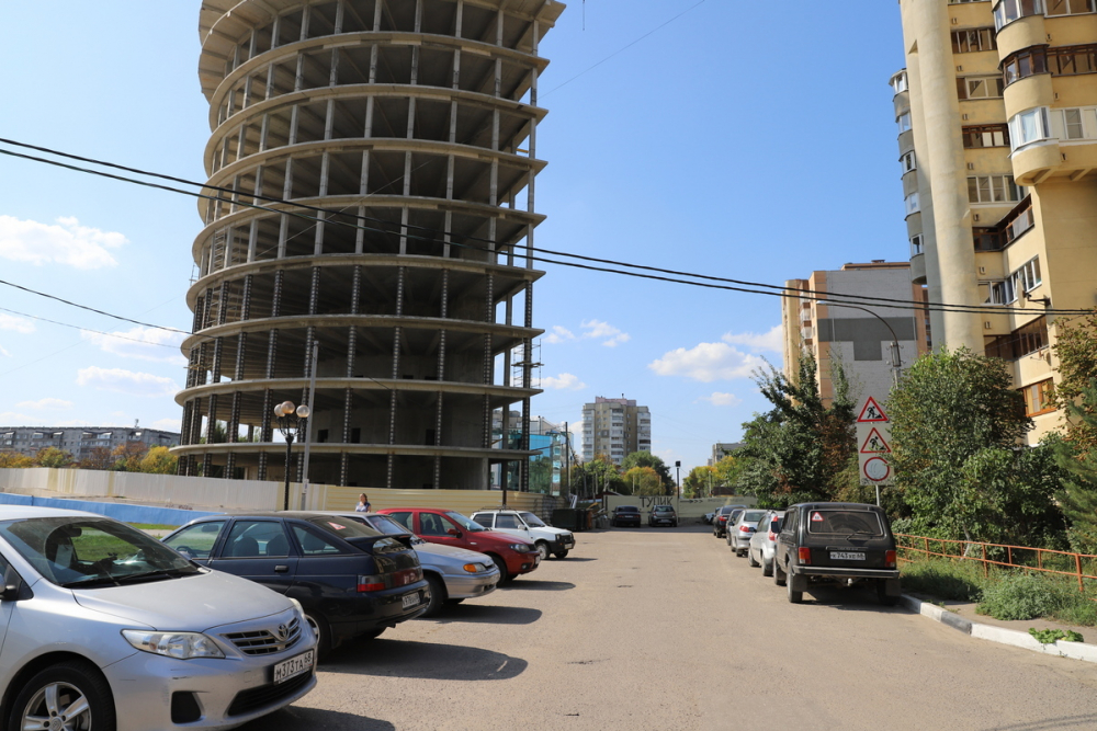 Администрация Тамбова четыре года не может открыть проезд на  улице Пензенской