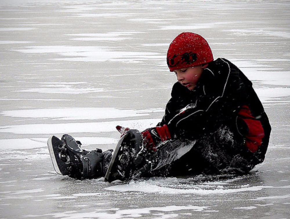 Лёд на Цне «вырос» до 30 сантиметров, но осторожность не помешает