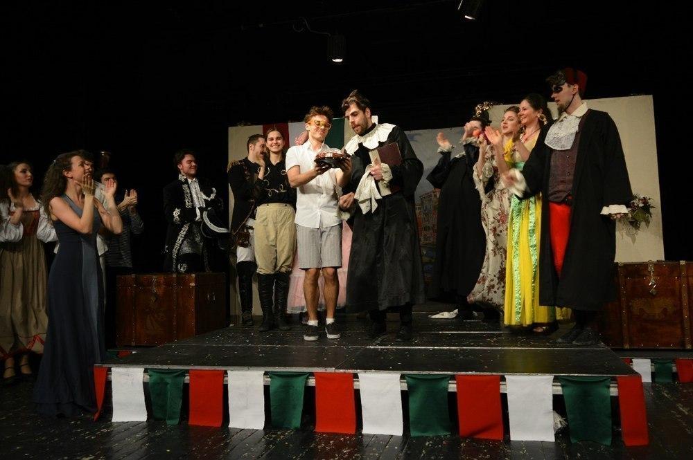 Тамбовскую сцену покорили студенты «Щепки». «Виват, театр!» День четвертый