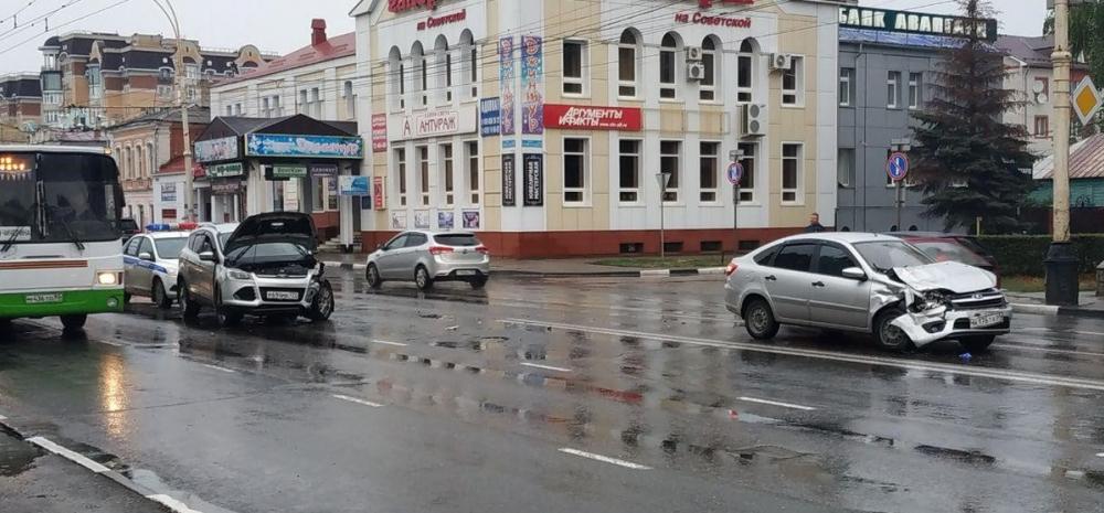В аварии в центре Тамбова пострадал ребёнок