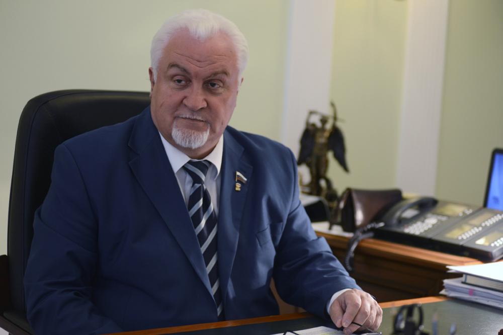 Сегодня свой день рождения отмечает председатель Тамбовской областной Думы Евгений Матушкин.