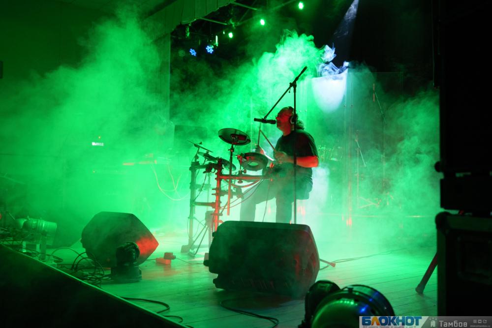 Романтика вечера: фестиваль «Рок над Цной» снова радует тамбовчан музыкой на все времена