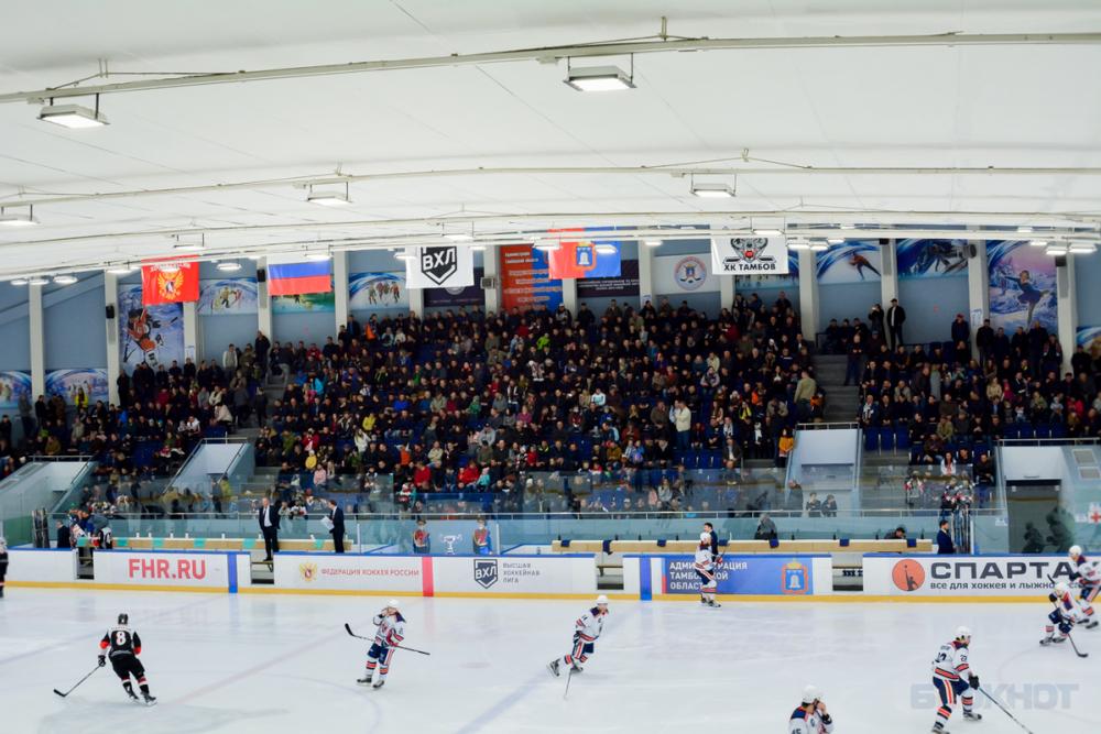 Ледовую арену «Кристалла» подготовят для матчей ВХЛ
