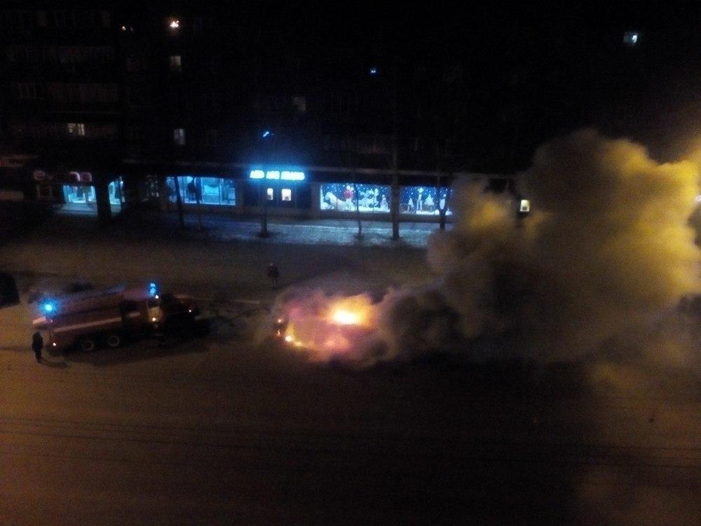 «Лада» сгорела на Советской в районе «Кристалла»
