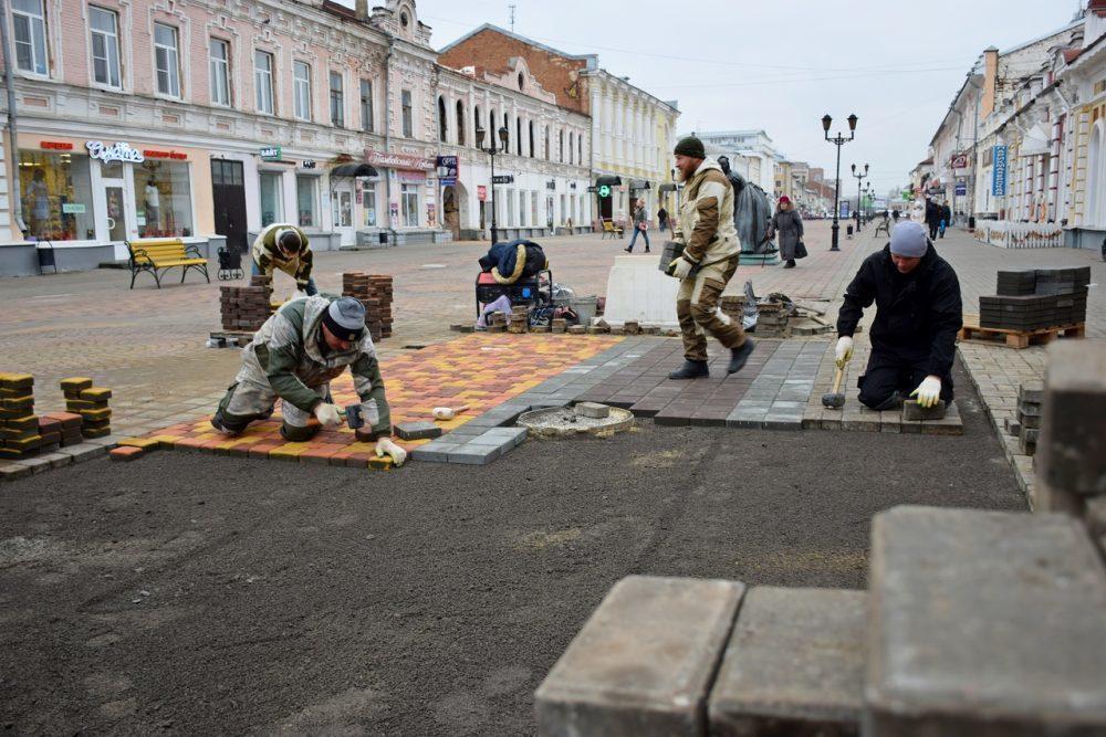 В Тамбове благоустраивают улицу Коммунальную в месте ремонта коллектора