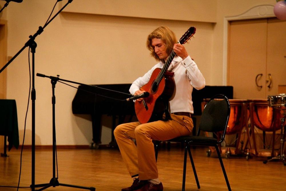 В «Зимней гитарной школе» тамбовчане услышат самбу, танго и джаз