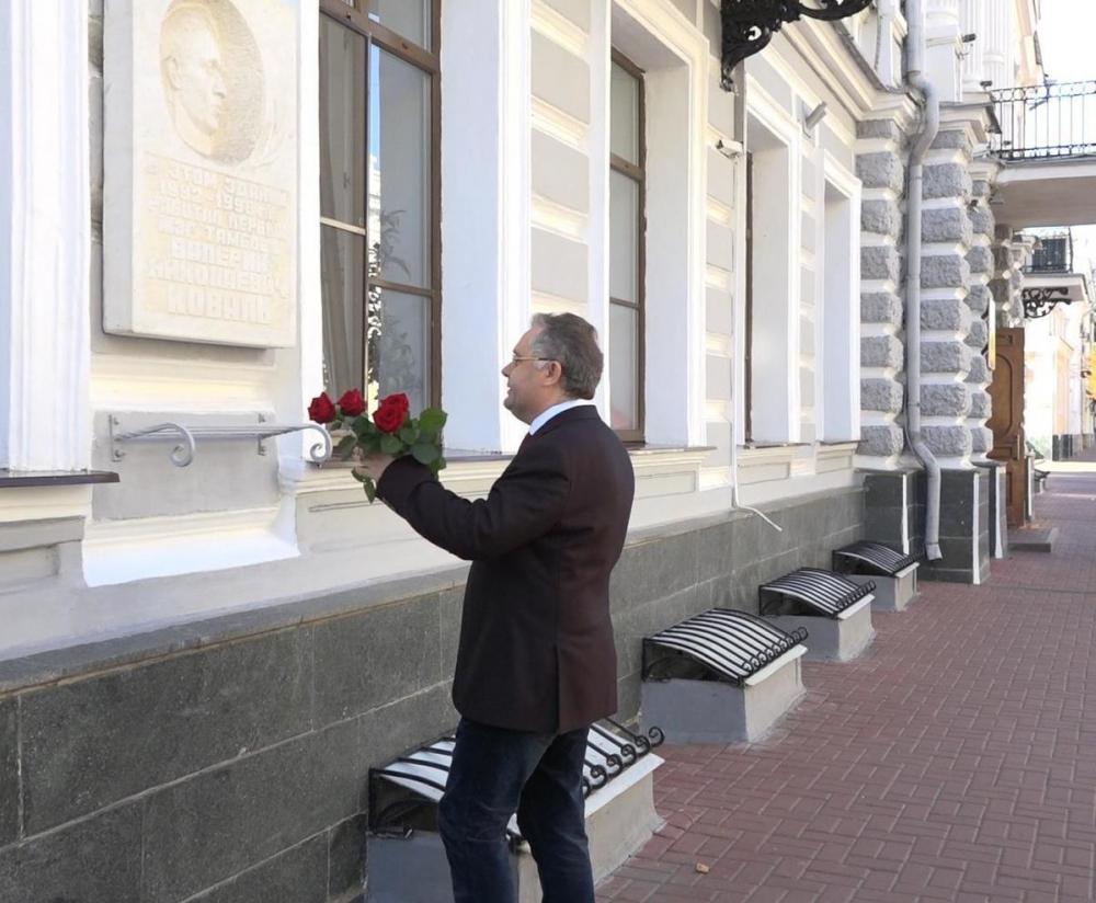 Глава Тамбова почтил память первого мэра областного центра