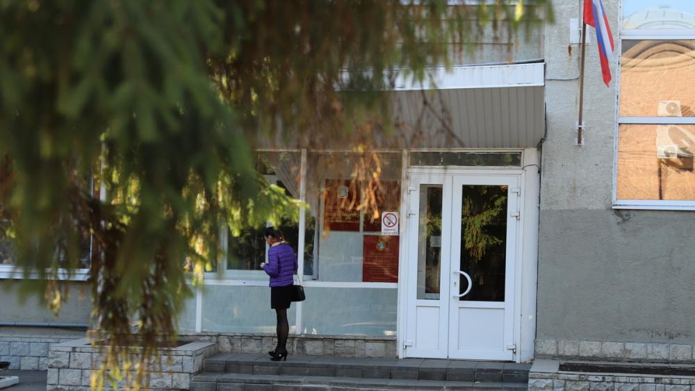 В кабинете вице-губернатора Иванова проходят обыски