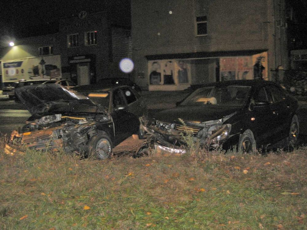 «Двенашка» не пропустила «Volkswagen», водитель пострадал