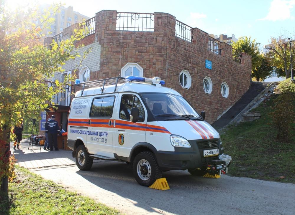 Когда жизнь зависит от работы: спецавтомобиль и оборудование получили тамбовские спасатели