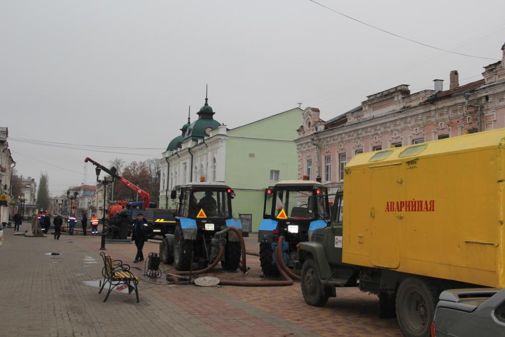 Ремонт коллектора на улице Коммунальной Тамбова завершён