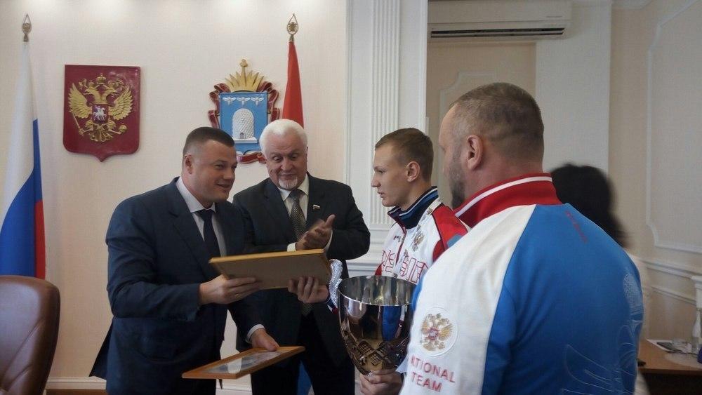 Губернатор поздравил тамбовского чемпиона Европы по боксу