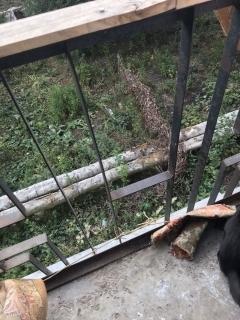 Полуторогодовалый мальчик, играя на балконе, упал со второго этажа