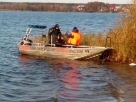 Упавший в Кершенское водохранилище самолет, подняли из воды