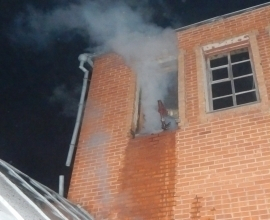 В Мучкапе пожарные боролись с огнем в недостроенном доме