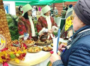 На набережной все готово к гастрономическому фестивалю «Тамбовская картошка»