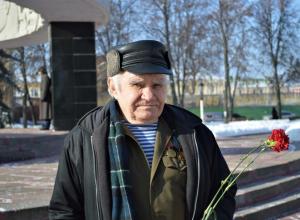 В память о военных событиях ветераны Тамбовской области возложили цветы к «Вечному огню»