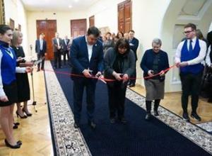 В главном корпусе ТГУ открылась выставка шедевров