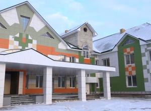 За четыре месяца в Тамбове построили новый детский сад. Но откроют его только в сентябре