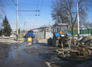 42 метра нового трубопровод проложено на Гастелло, но работы продолжаются