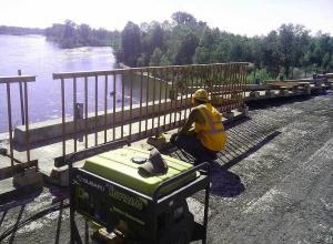 Тамбовчане строят мост в Воронежской области