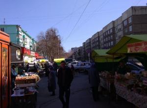 Массу нарушений обнаружила проверка в палатке, торгующей молоком и мясом на Куйбышева