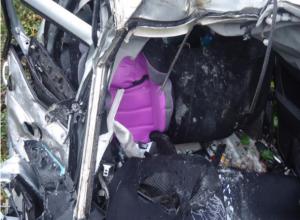 Двухлетняя девочка и ее родители погибли при столкновении с автобусом