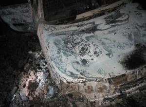 Сгоревшая машина с трупом внутри обнаружена в полях недалеко от Бондарей