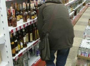 Дважды вынести бутылку в рукаве из одного и того же магазина пытался тамбовчанин. Не удалось