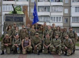 Тихмовские студенты почтили память героя России Александра Комягина маршем памяти