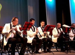 В День рождения Губернаторского оркестра музыканты вспомнили оперу