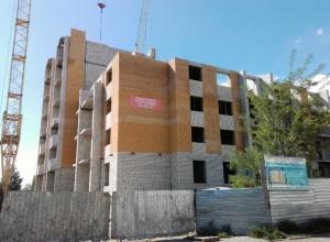 «Мы в глубокой ж...е!» - дольщики дома по Киквидзе,77 о ситуации с достройкой многоэтажки