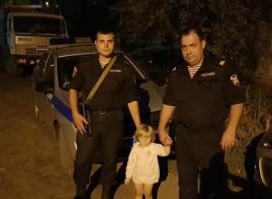 Ушедшую из дома трехлетнюю девочку обнаружили сотрудники Росгвардии