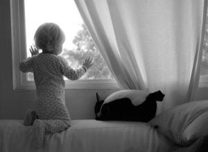 Выпавшая из окна девочка переведена из реанимации