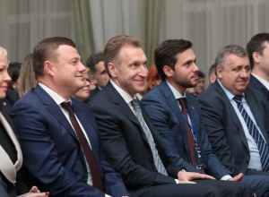 Вице-премьер Игорь Шувалов намерен приводить в пример команду губернатора Никитина другим регионам
