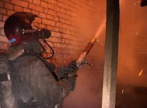 В Тамбове горит жилой дом