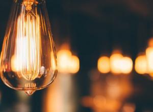 В подъездах многоэтажек области не спешат экономить электричество