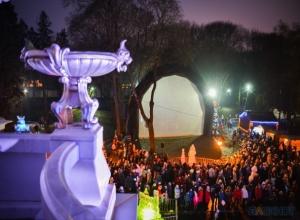 «Лазерная» рождественская сказка традиционно разукрасила стены Асеевского замка