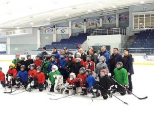 Эдуард Тимашев: «Самое главное, что у вас есть все для развития хоккея, великолепный лед! Его качество меня просто поразило!»