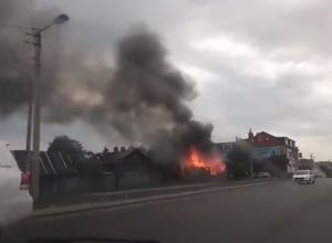 На Студенецкой горел нежилой дом