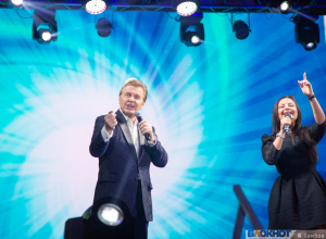 Губернатор объяснился в любви, «Ивушка» сыграла свадьбу, а Лещенко признался, что это лучший «зал»: на площади Музыки отгремели «Песни над Цной»