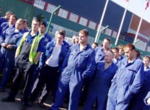 Работников завода «Октябрь» лишают премии за то, что они уходят с работы вовремя