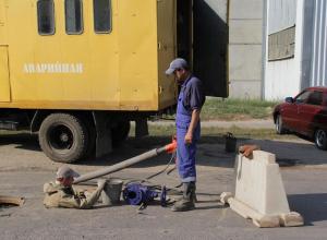 Канализационный коллектор на Володарского требует немедленного ремонта
