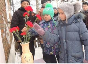 В честь столетия героя в Сосновском районе открыли мемориальную доску